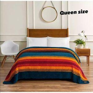 Sherpa Fleece Blanket by Pendleton Queen size